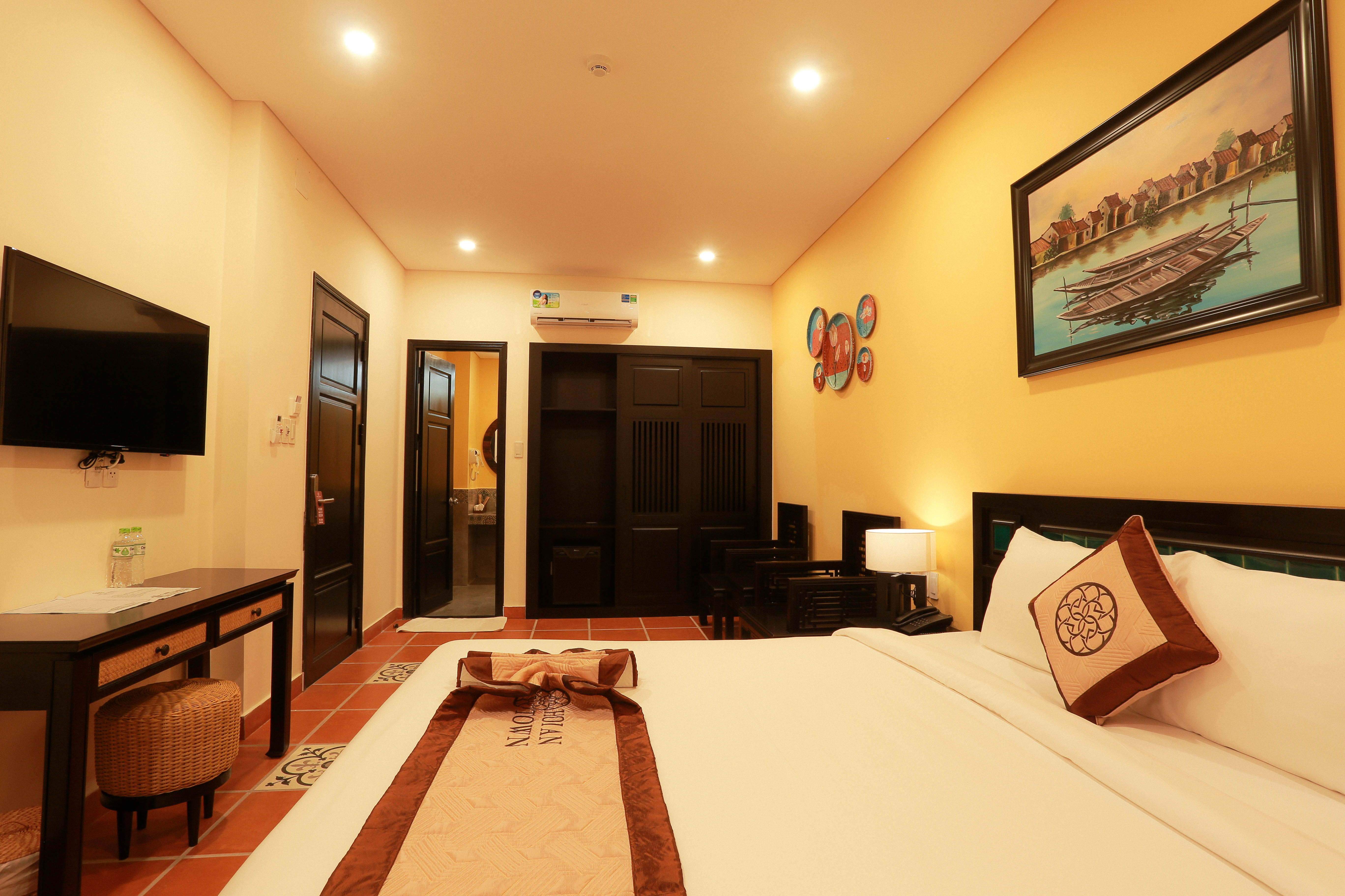 img_home_rooms_01